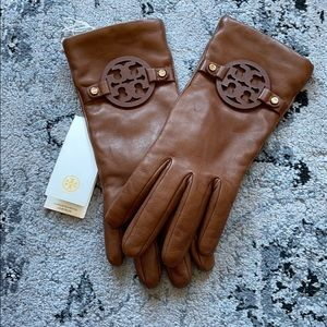 NWT Tory Burch miller leather gloves